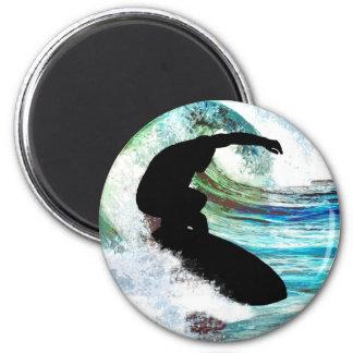 El practicar surf en onda que se encrespa imán redondo 5 cm