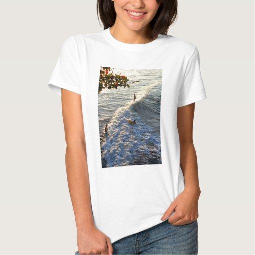 El practicar surf en paraíso tshirt