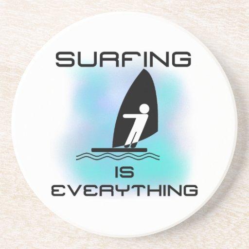El practicar surf es todo las camisetas y los rega posavasos personalizados
