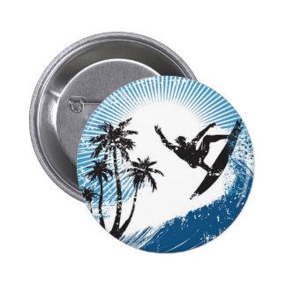 El practicar surf pin