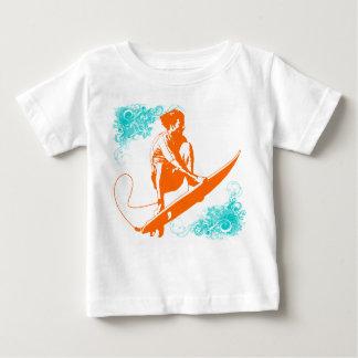 El practicar surf t-shirt