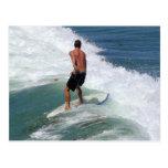El practicar surf postal