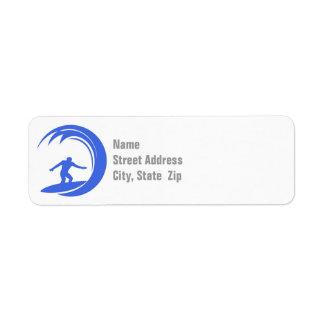 El practicar surf real del azul y blanco etiqueta de remitente