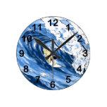 El practicar surf reloj redondo mediano