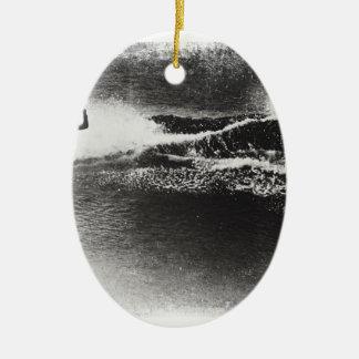 el practicar surf retro adorno navideño ovalado de cerámica