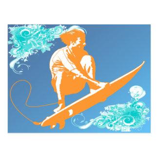 El practicar surf tarjetas postales