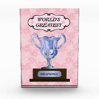 El premio más grande de la abuela del mundo