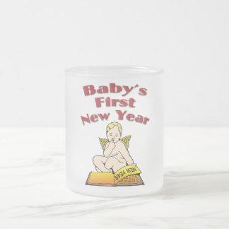 El primer Año Nuevo del bebé Taza De Café Esmerilada