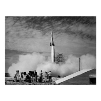 El primer lanzamiento de Rocket en Cabo Cañaveral Póster
