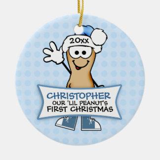 El primer navidad de nuestro cacahuete de Lil Adorno Redondo De Cerámica