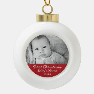 El primer navidad del bebé adorno de cerámica en forma de bola