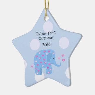 El primer navidad del bebé azul del elefante adorno navideño de cerámica en forma de estrella