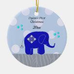 El primer navidad del bebé azul del elefante ornaments para arbol de navidad