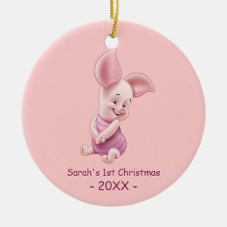 El primer navidad del bebé, cochinillo del bebé adorno navideño redondo de cerámica