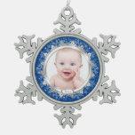 El primer navidad del bebé de plata azul de la fot adornos