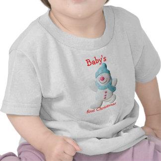 El primer navidad del bebé feliz del muñeco de nie camiseta