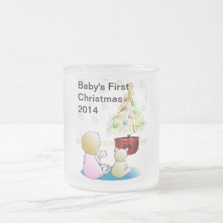 El primer navidad del bebé taza de cristal