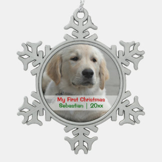 El primer navidad del mascota personalizó la adorno de peltre en forma de copo de nieve