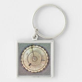 El primer reloj de resorte con el caracol vista a llaveros personalizados
