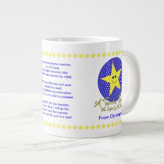 El profesor de la estrella le agradece de estudian tazas jumbo