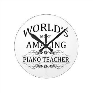 El profesor del piano más asombroso del mundo relojes de pared