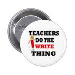 El profesor divertido hace la cosa de la escritura pins