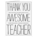 El profesor impresionante le agradece felicitación