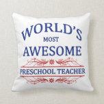 El profesor preescolar más impresionante del mundo almohada