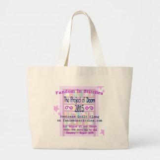 El proyecto del edredón del estante para libros de bolsa