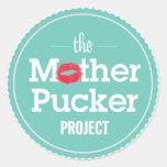 El proyecto del fruncido de la madre pegatina redonda