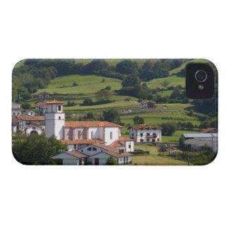 El pueblo de Amaiur en el valle de Baztán de Case-Mate iPhone 4 Funda