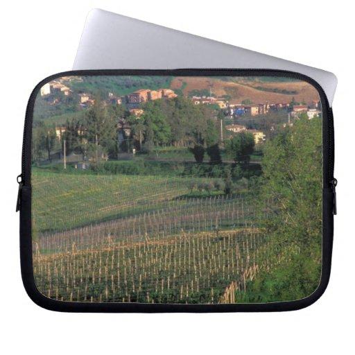 El pueblo de San Gimignano se sienta en el balance Fundas Portátiles