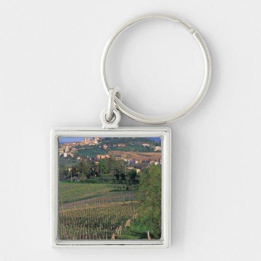 El pueblo de San Gimignano se sienta en el balance Llavero