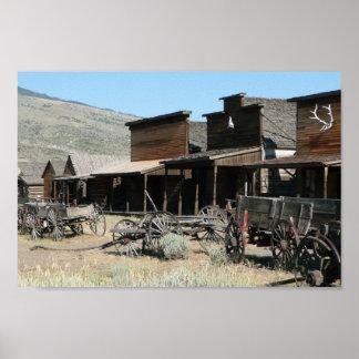 El pueblo occidental viejo póster