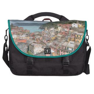 El pueblo pesquero de Vernazza Cinque Terre AIE Bolsas De Portátil