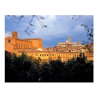 El pueblo toscano de la tierra de Siena, Italia Postales