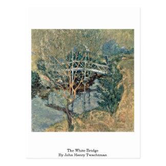 El puente blanco de John Henry Twachtman Postales