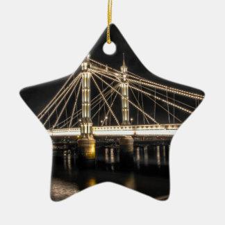 El puente de Albert cruza el río Támesis, Londres Adorno Navideño De Cerámica En Forma De Estrella
