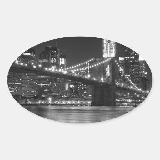 El puente de Brooklyn - blanco y negro Pegatina De Oval Personalizadas