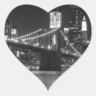 El puente de Brooklyn - blanco y negro Pegatina En Forma De Corazón