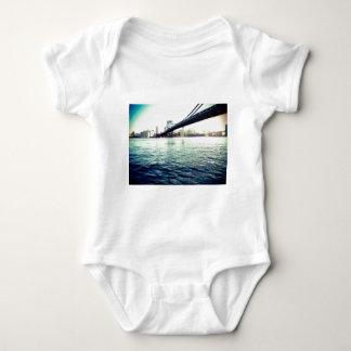 El puente de Brooklyn Body Para Bebé