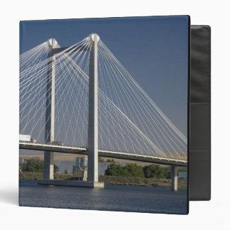"""El puente de Ed Hendler atraviesa el río Columbia Carpeta 1 1/2"""""""