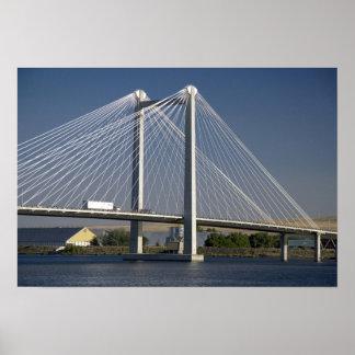 El puente de Ed Hendler atraviesa el río Columbia Póster