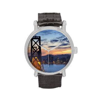 El puente de la bahía de la isla del tesoro reloj de mano