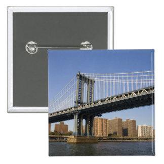 El puente de Manhattan que atraviesa el East River Pin