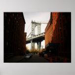 El puente de Manhattan, una opinión de la calle, m Poster