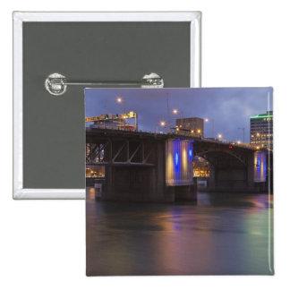 El puente de Morrison sobre el río de Willamette Pin Cuadrada 5 Cm