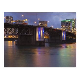 El puente de Morrison sobre el río de Willamette Postales