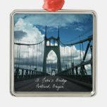 El puente de San Juan, Portland, Oregon Adorno Navideño Cuadrado De Metal