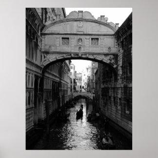 El puente de suspiros póster